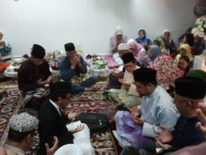 Priest leads Islamic wedding ceremony in Malaysia
